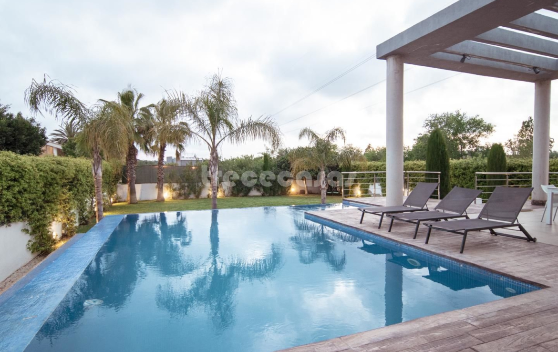 Chalet lujo-Torre en Conill-piscina