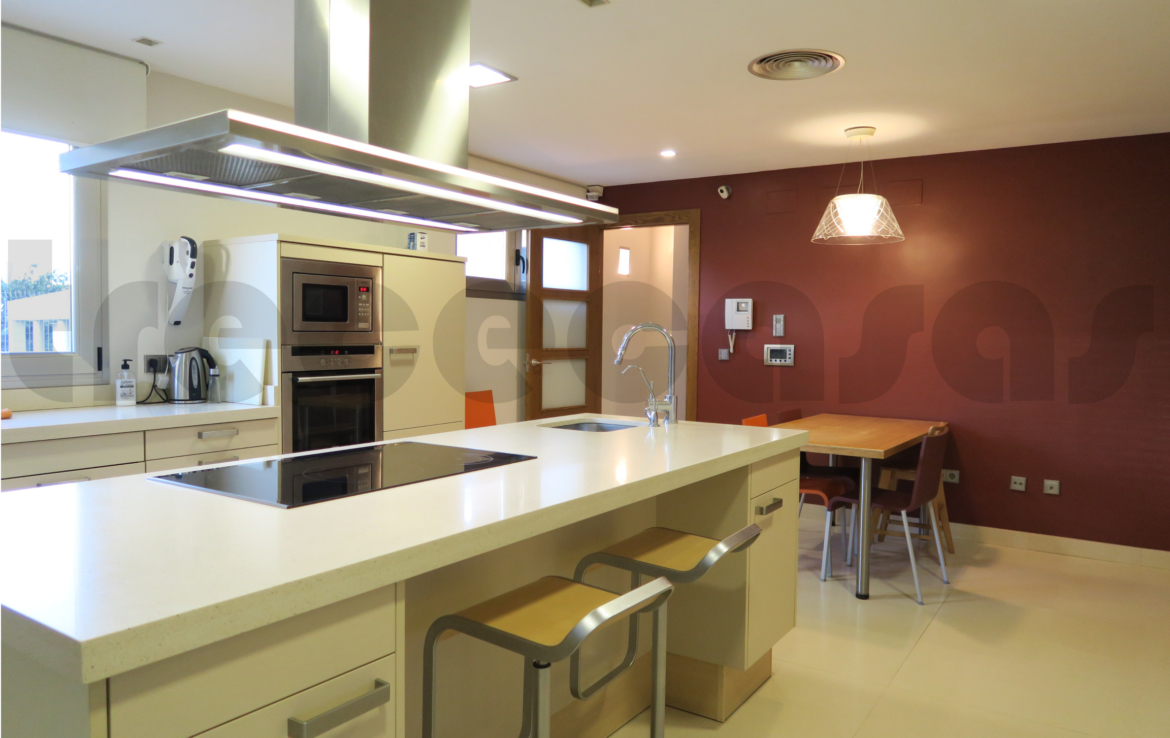 Chalet lujo-torre conill-cocina