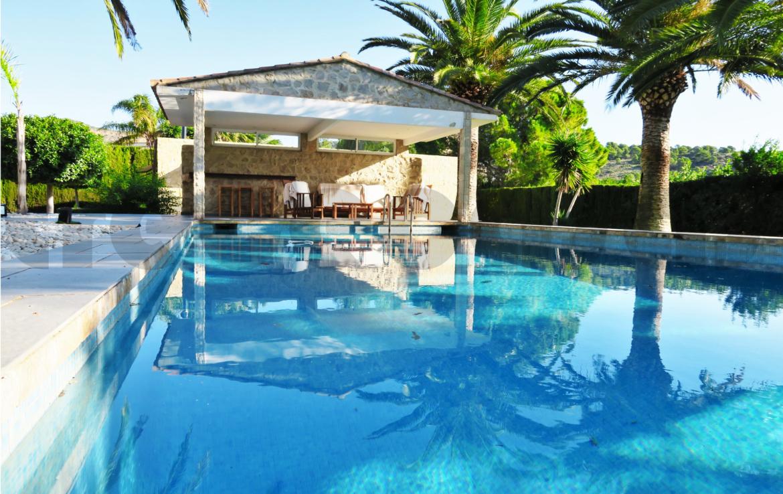 Chalet lujo-Alfinach-piscina