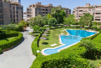 Piso lujo-cortes valencianas-jardin