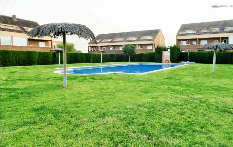 Adosado lujo-Mas Camarena-piscina